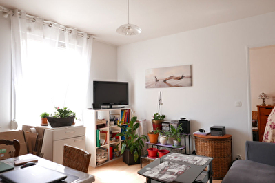 MAINTENON centre, appartement F2 32 m²